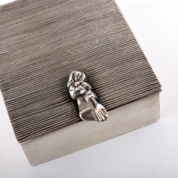 Line Vautrin boîte La Balayeuse du sacré coeur C173 – 4×4 -02