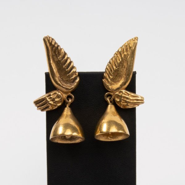 COD01_30 Pair of gilded bronze earrings Les cloches ailées Line Vautrin unforget-9082