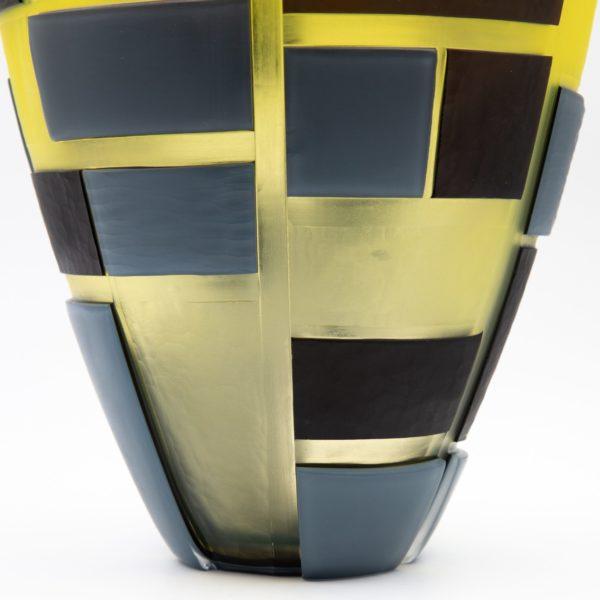 Large vessel by Guggisberg & Baldwin -img01