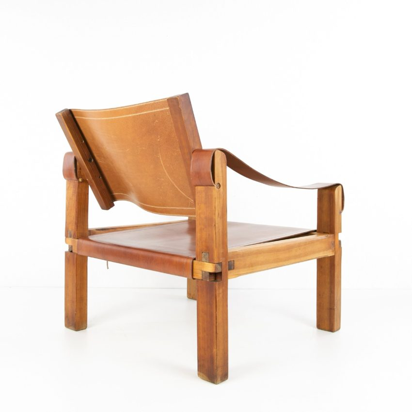 Leather Armchair by Pierre Chapo - img04