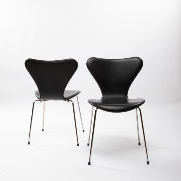 Set of 6 chairs by Arne Jacobsen - img03