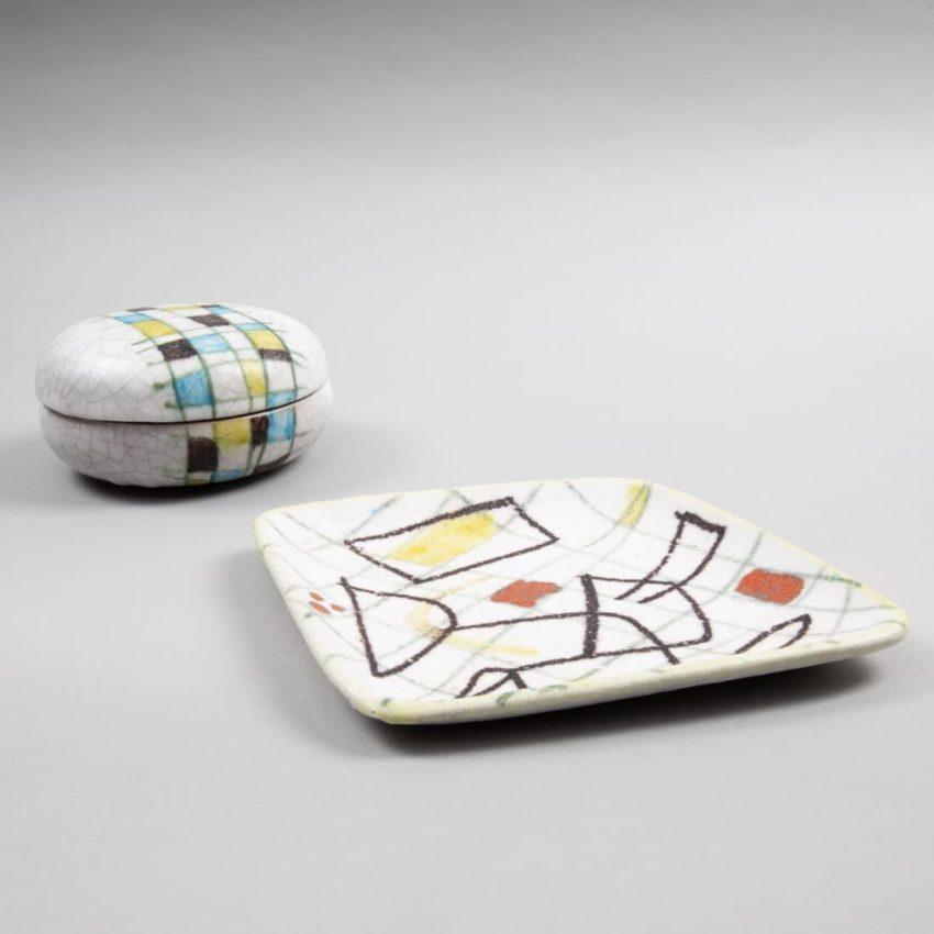 Round ceramic box by Guido Gambone - img1