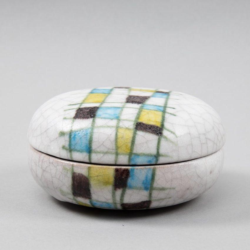 Round ceramic box by Guido Gambone - img3