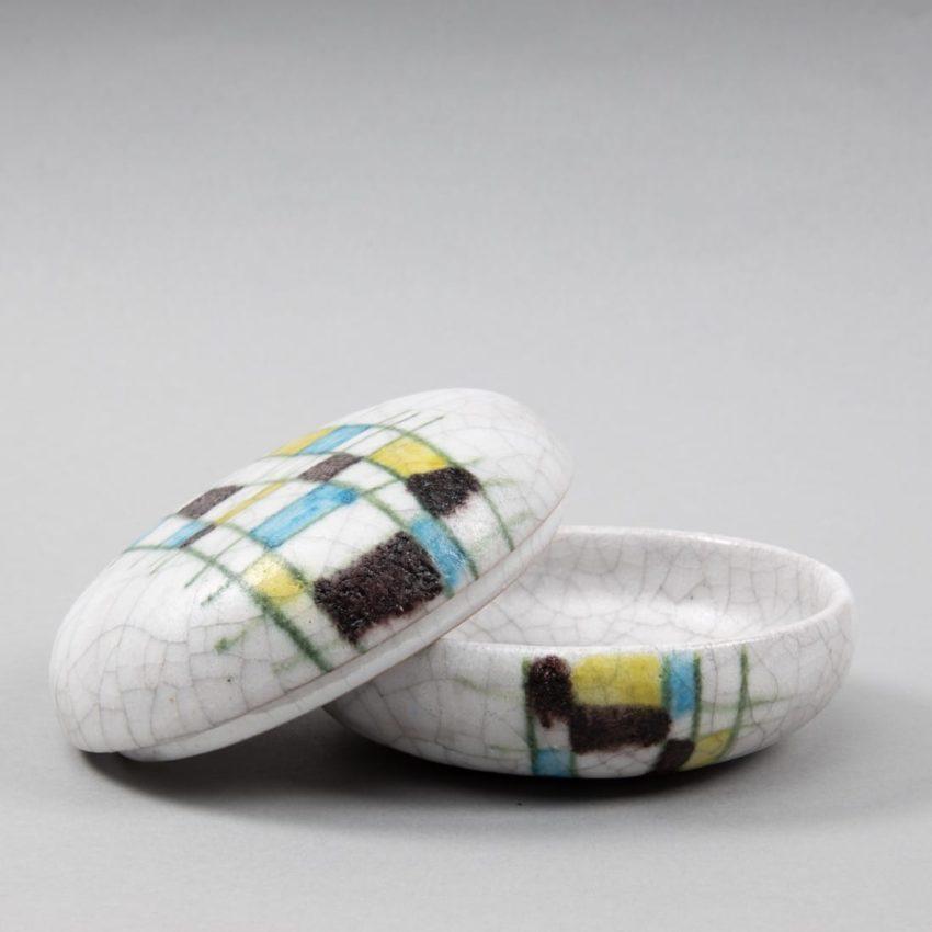 Round ceramic box by Guido Gambone - img4