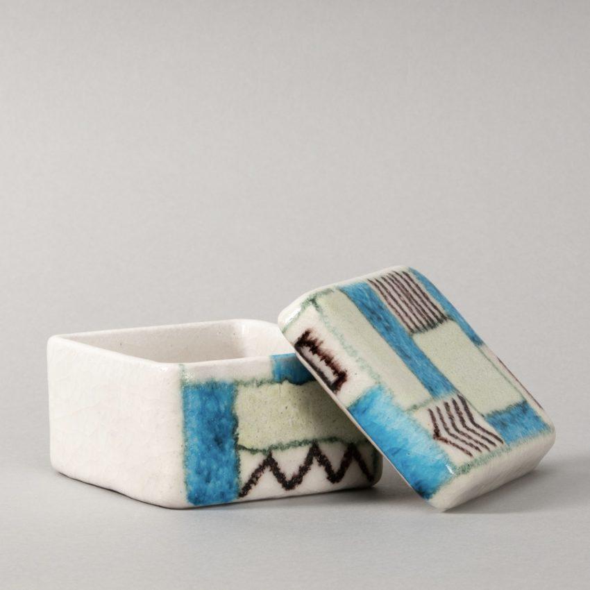 Ceramic box by Guido Gambone - img01