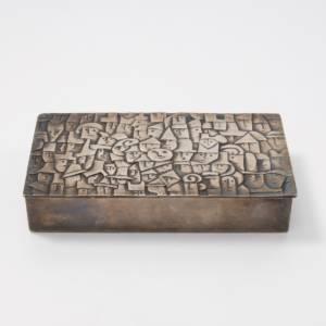 Heureux parmi la foule silvered bronze box Line Vautrin