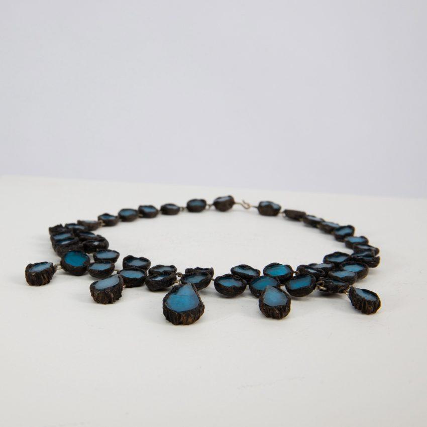 Collier en talosel noir incrusté de miroirs par Line Vautrin - 02