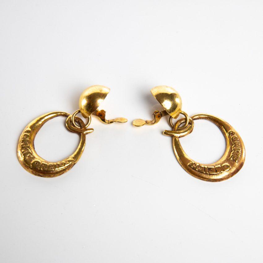 O comme oreille - paire de boucles d'oreilles en bronze doré par Line Vautrin - 04