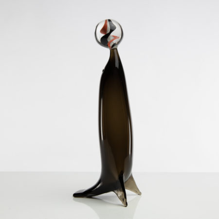 D11_79 Sea Lion with sphere Paolo Venini -1
