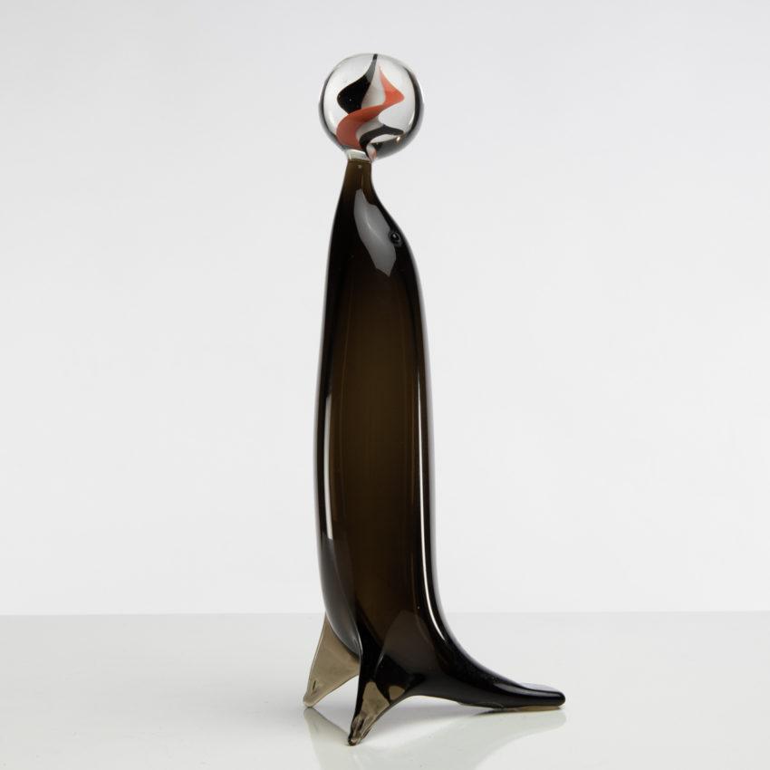 D11_79 Sea Lion with sphere Paolo Venini -2