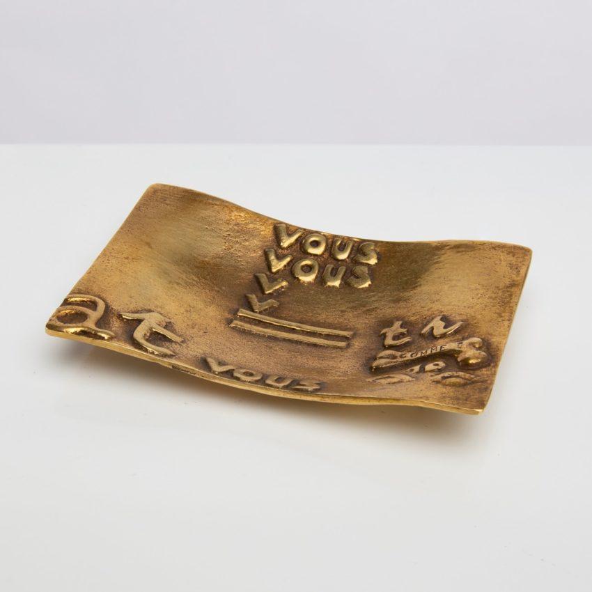 Vous vous devez de traiter Eros comme un Dieu, hâtez-vous by Line Vautrin - gilded bronze trinket bowl - France - 01