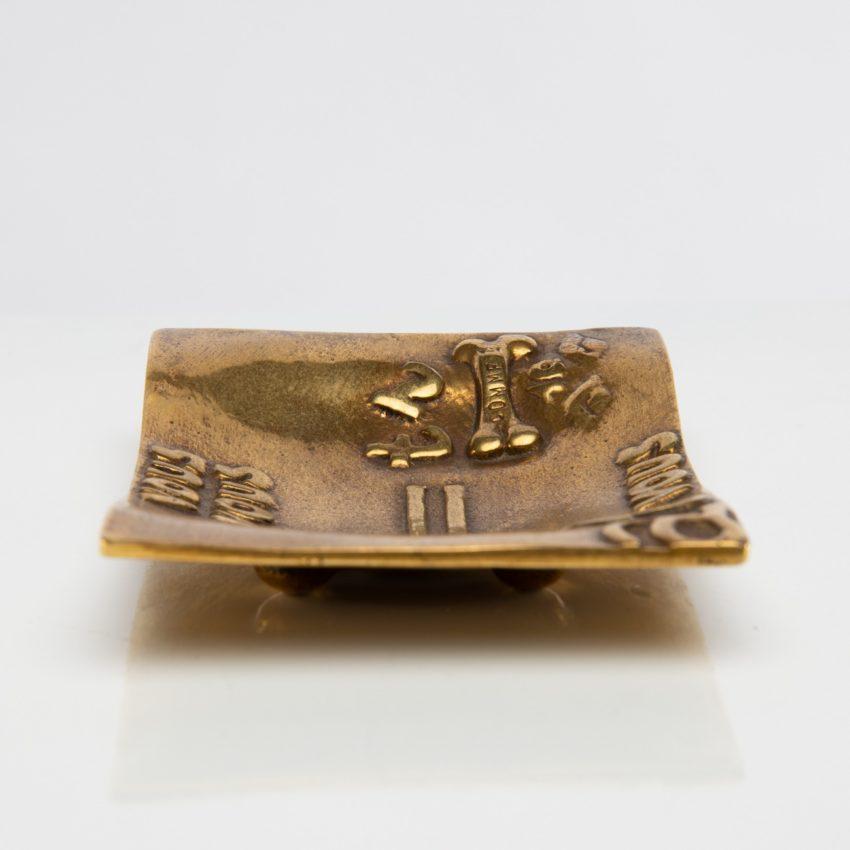 Vous vous devez de traiter Eros comme un Dieu, hâtez-vous by Line Vautrin - gilded bronze trinket bowl - France - 03