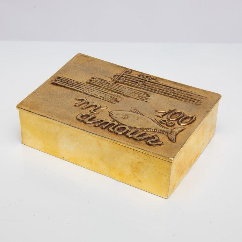 La source murmure sans fin même ton Amour by Line Vautrin - gilded bronze box - France - 09