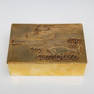 La source murmure sans fin même ton Amour by Line Vautrin - gilded bronze box - France - 01