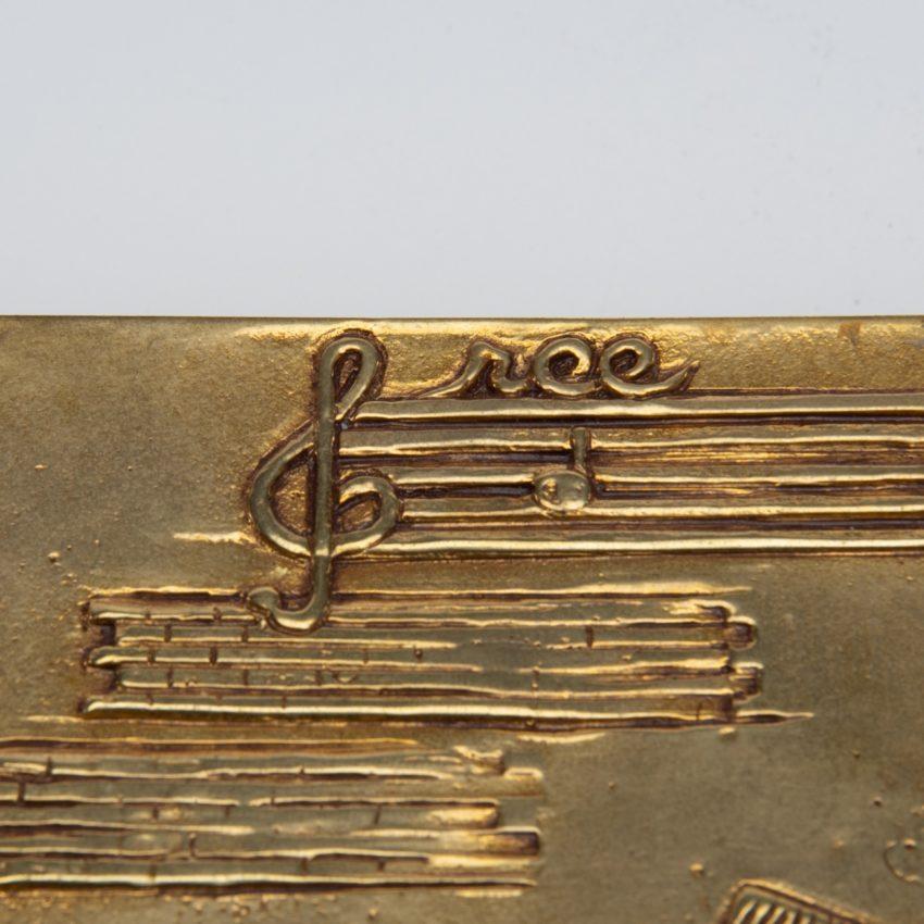 La source murmure sans fin même ton Amour by Line Vautrin - gilded bronze box - France - 02