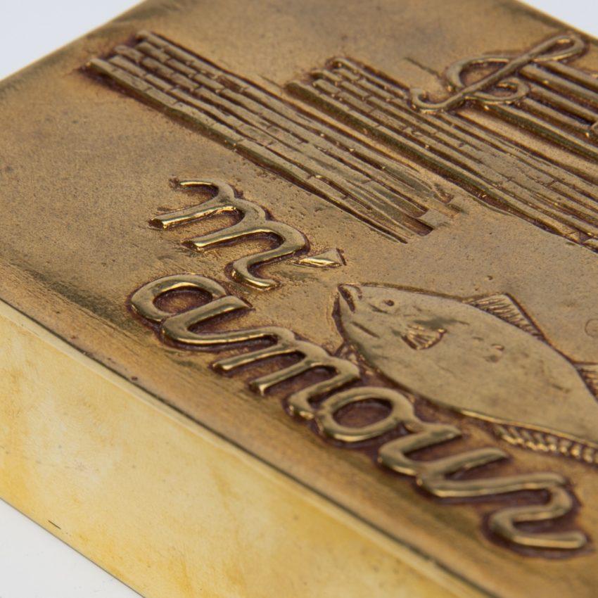 La source murmure sans fin même ton Amour by Line Vautrin - gilded bronze box - France - 04