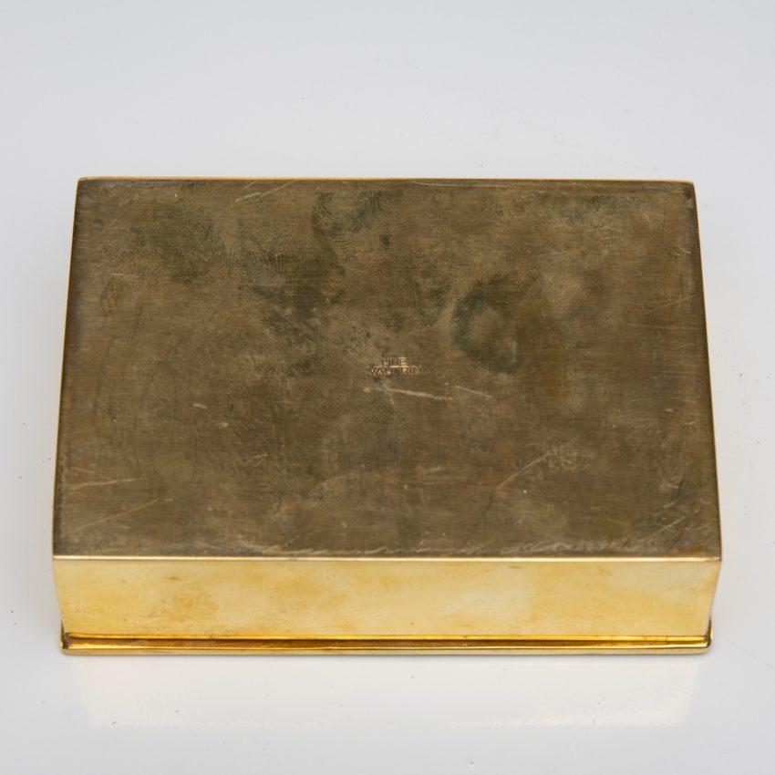 La source murmure sans fin même ton Amour by Line Vautrin - gilded bronze box - France - 06