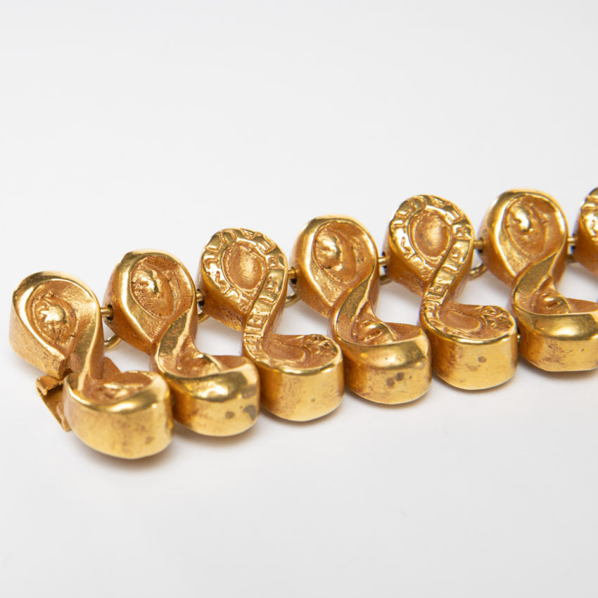 Après la pluie le beau temps by Line Vautrin - semi-rigid bracelet in gilded bronze - France - 05